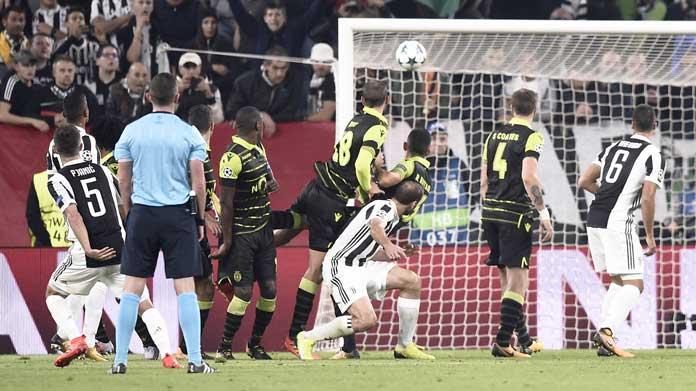Juventus-Sporting 2-1: Massimiliano Allegri si infuria nel finale con Alex Sandro