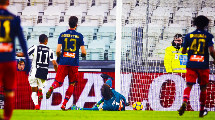 Juve, basta Douglas Costa: 1-0 al Genoa