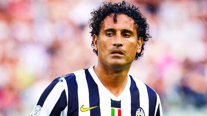 La Juventus frena a Crotone, il Napoli riapre la corsa Scudetto