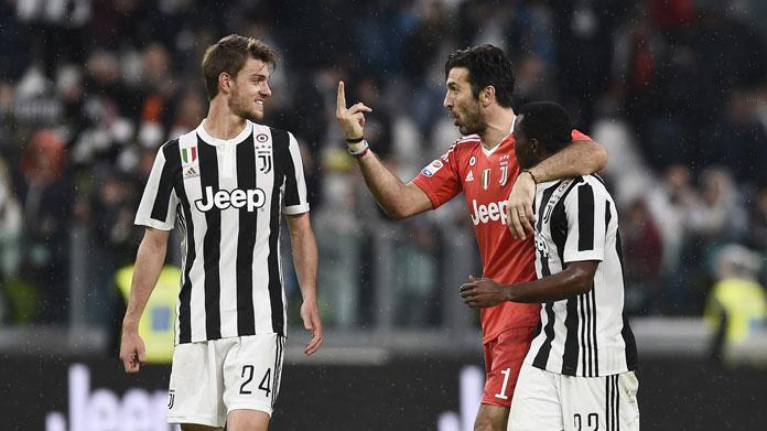 Juventus-Napoli, il necrologio dei tifosi azzurri per i bianconeri e Gonzalo Higuain