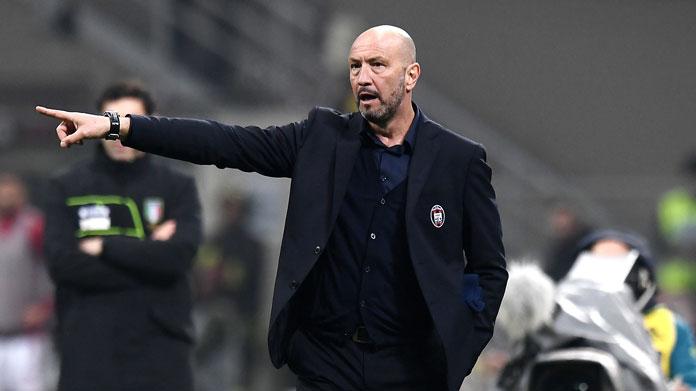 Simy come Cristiano Ronaldo: video gol rovesciata in Crotone-Juventus 1-1